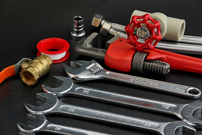 15 Best Tools Every Plumber Needs In Their Toolbox-1