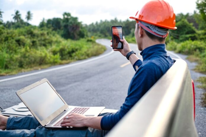 How Mobile Technology Benefits Field Service